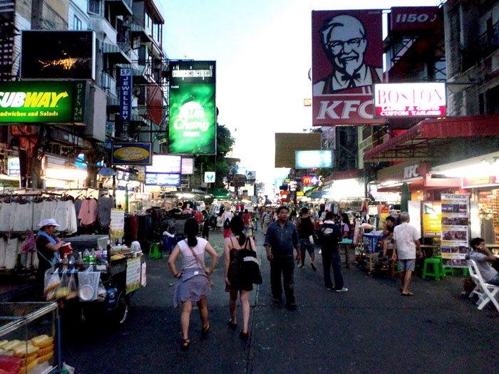 rua-dos-mochileiros-bangkok