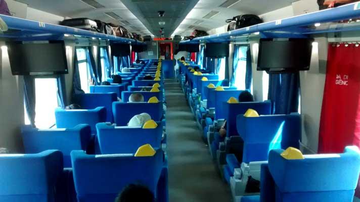 trem de passageiros vale