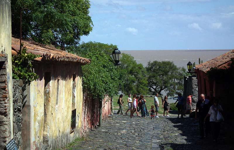 ruas históricas colonia do sacramento uruguai