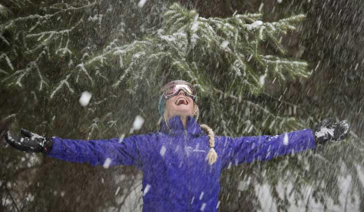 Como se vestir no frio para viajar a locais congelantes