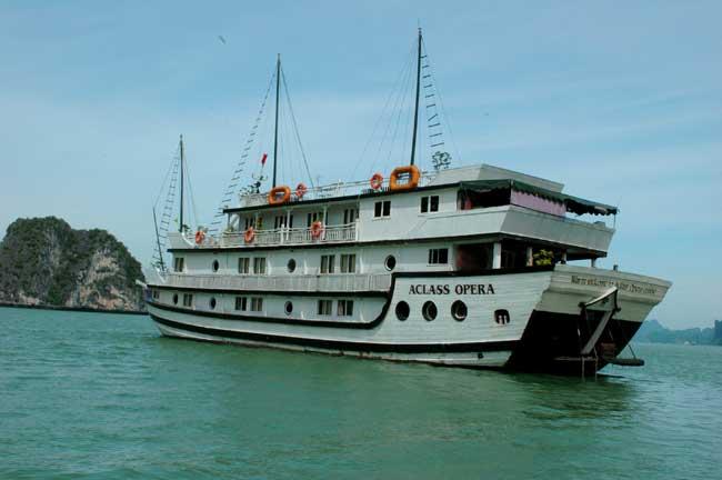 barco halong bay vietna