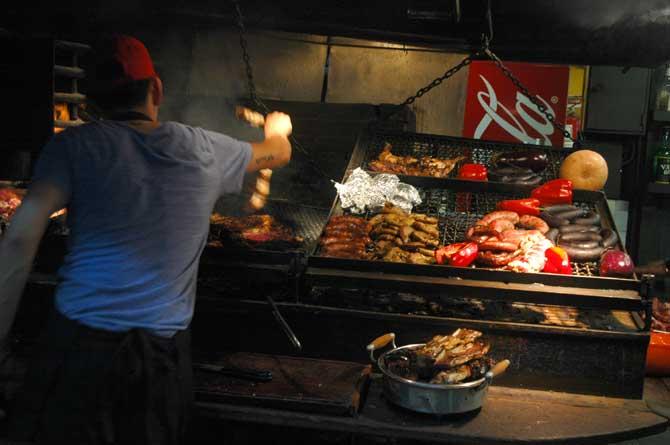 Parrilla no Mercado do Porto em Montevidéu