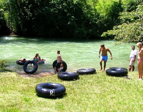 Tubing no Rio Cahabón em Semuc Champey