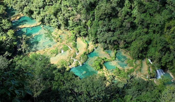 Piscinas de Semuc Champey na Guatemala