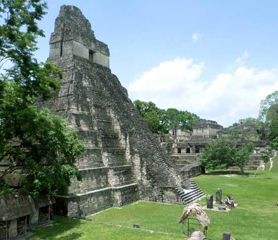 Templo I piramide maia Tikal