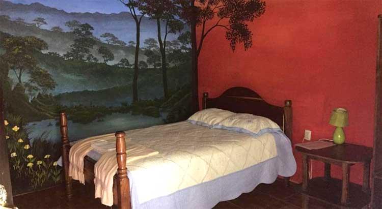 quarto do hotel El Retiro Lanquín guatemala