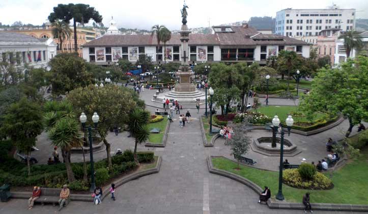 plaza grande praça da indepedencia centro historico quito