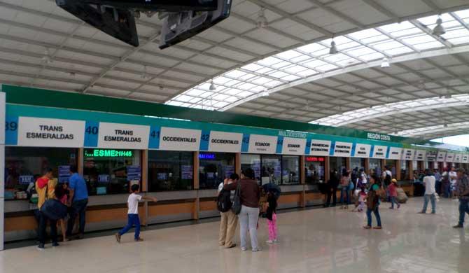 venda de passagem de ônibus rodoviária de Quito