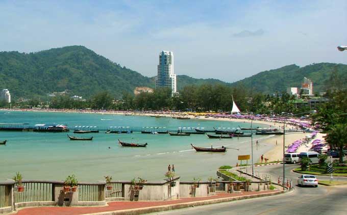 praia de patolong beach em phuket