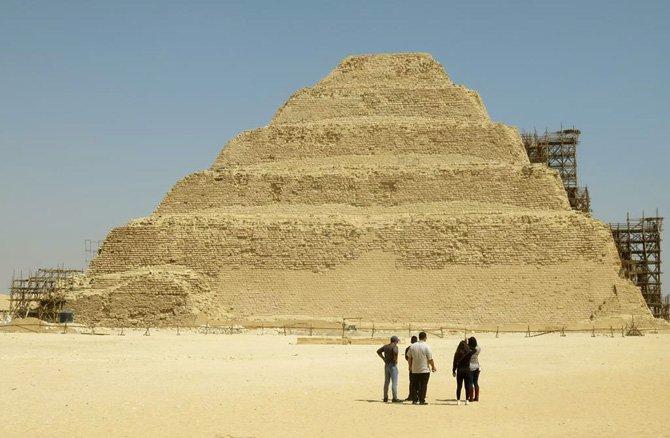 primeiras piramides do egito saqqara