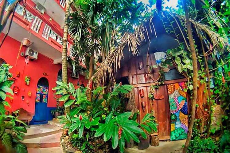 hotel barato flores tikal guatemala