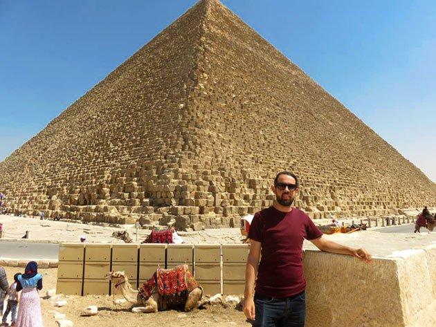 foto nas piramides do egito