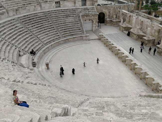 teatro romano amã