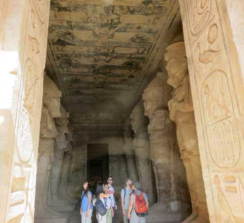 templo de abu simbel por dentro