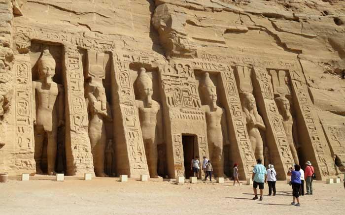 templos de abu simbel egito