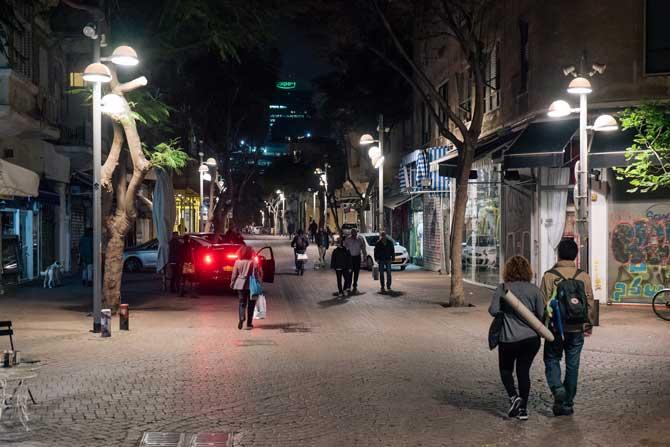 andar a noite na rua em israel