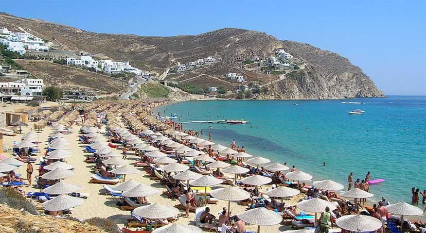 praia elia mykonos alta temporada