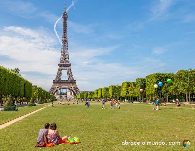 picnic torre eiffel