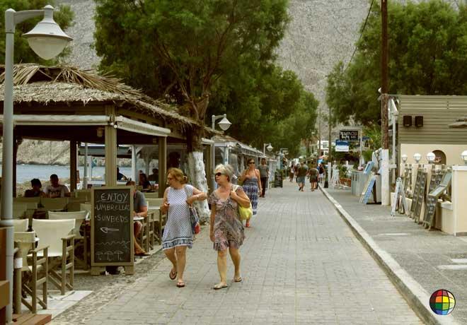 hoteis de praia kamari santorini
