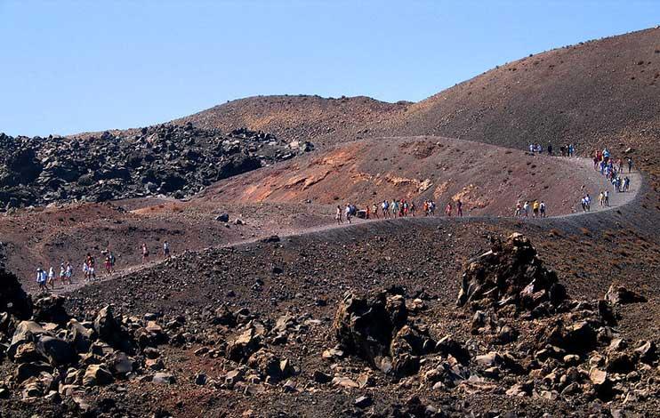 vulcão na ilha de santorini