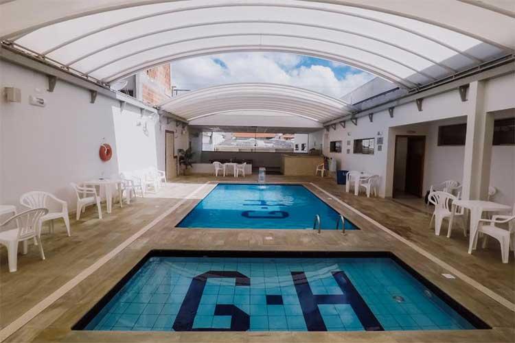 hotel com piscina em são lourenço