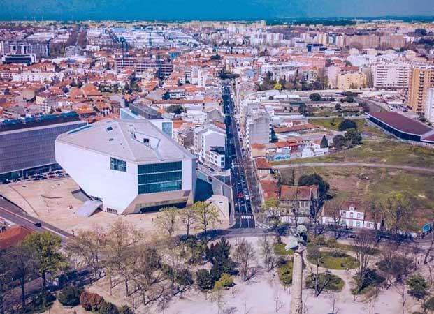 melhores bairros para hospedar em porto portugal