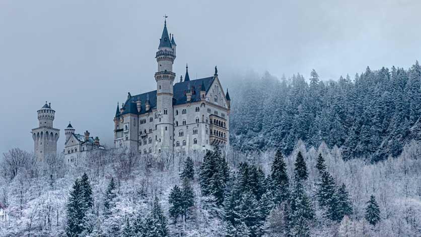 melhores meses visitar castelo de Neuschwanstein