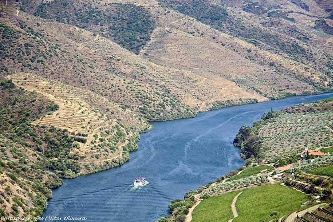 tour excursao vale douro vinicolas portugal