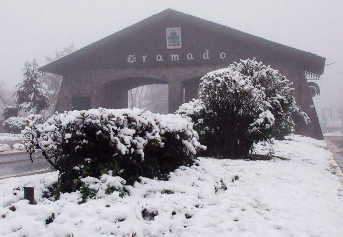 gramado neve