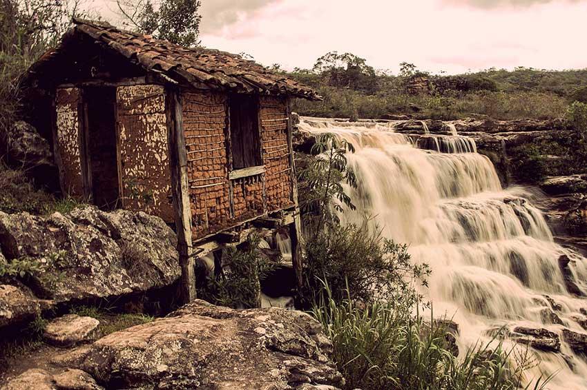 Antigo moinho de milho na Cachoeira do Moinho