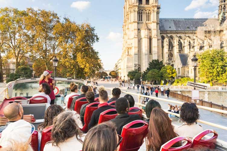 Onde desagua o rio Sena que corta Paris